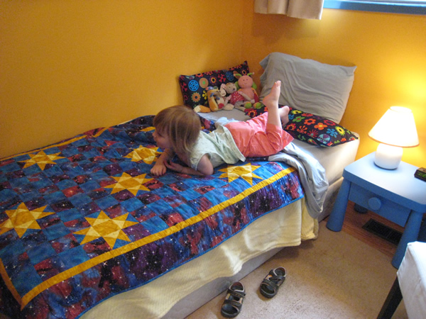 """Evelyn's room is transformed by her """"big kid bed"""""""